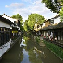 江南水乡的小河道