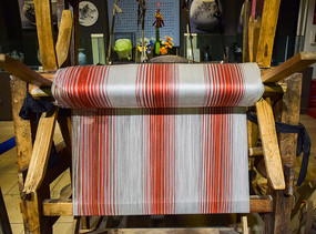 民间收藏的织布机