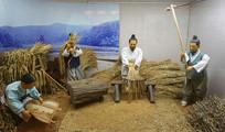 韩国农村收获稻子场景雕塑