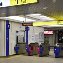 日本地铁站闸口