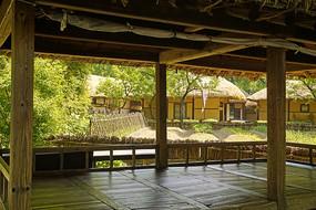 韩国民俗村传统凉亭内景
