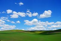 晴空山地田野风景