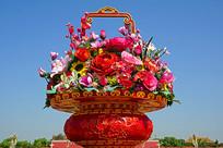 国庆节天安门巨型漆器装饰花篮