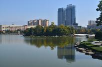 湖泊高楼风光图片图片