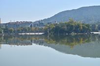 青山绿色风景图片
