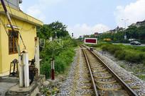 越南海阳省的铁路道口