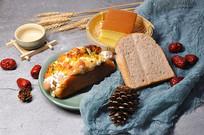 香肠面包和蛋糕
