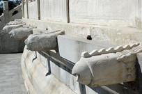 北京天坛祈年殿排水的凤出水石雕