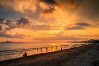 三亚湾沙滩大海夕阳