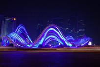 武汉光谷广场夜景-紫色飘带