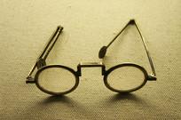 古董眼镜图片