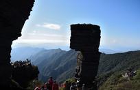 梵净山蘑菇石和远山