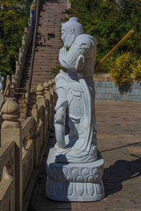 龙峰寺齐天大圣孙悟空侧身雕像