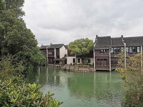 乌镇临河的小院