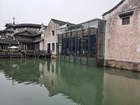 现代建筑与古代建筑