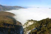 成都西岭雪山群山及云海