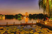 大明湖风景区超然楼夜景
