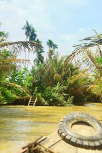 越南湄公河河岸的河埠头