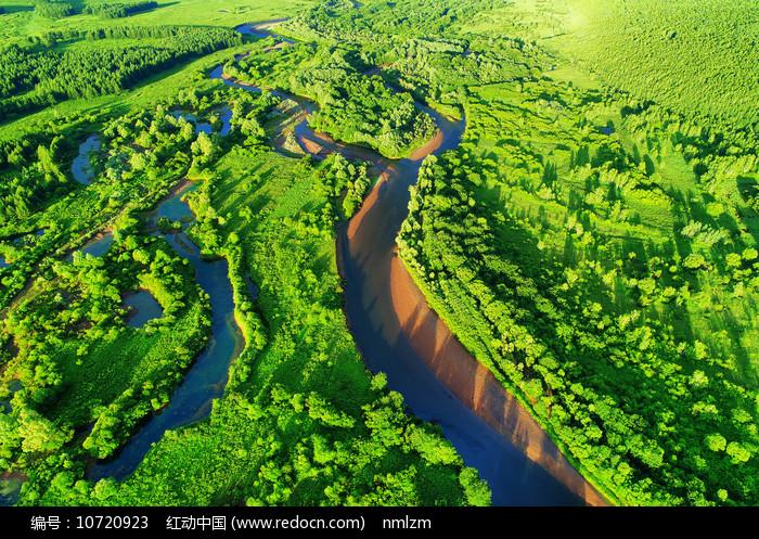航拍大兴安岭湿地河流 图片