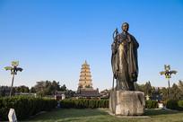 西安大雁塔和玄奘雕塑