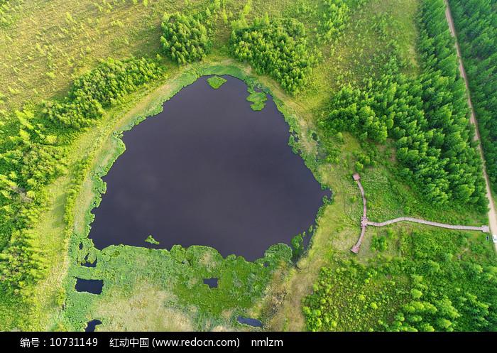 航拍大兴安岭马兰湖 图片