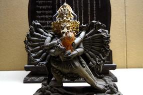 雍和宫铜像大威德金刚