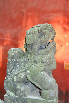 成都石经寺红墙和石狮