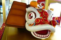 中国传统民俗-舞狮雕塑