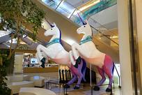 韩国乐天世界大厦商场神马雕塑