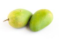 热带著名水果芒果在白背景上