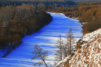 雪域冰封河流密林雪景