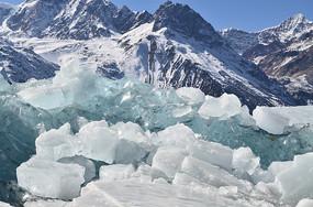 蓝天雪山冰川风景
