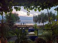 费瓦湖畔风光
