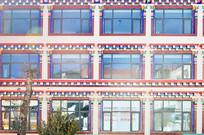藏式风光窗户建筑