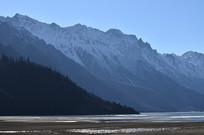 雪山湖泊风景