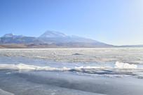 冰川湖泊风光