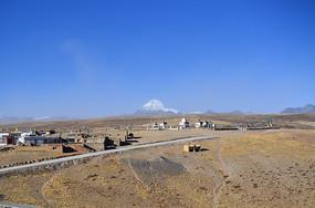 西藏高原村庄风景