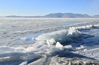 阿里地区高原冰川湖泊风景