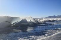 蓝天冰川风光图片