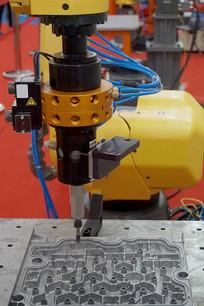 互联网+智能制造-工业机器人