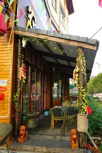 荔波小七孔美食街中式餐厅露台