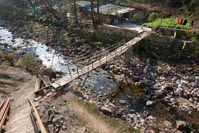 巫山县楚阳乡楚阳河上的小桥