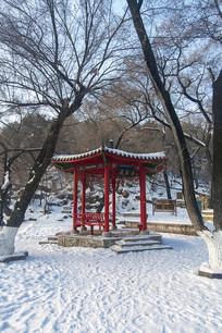 六角亭雪景