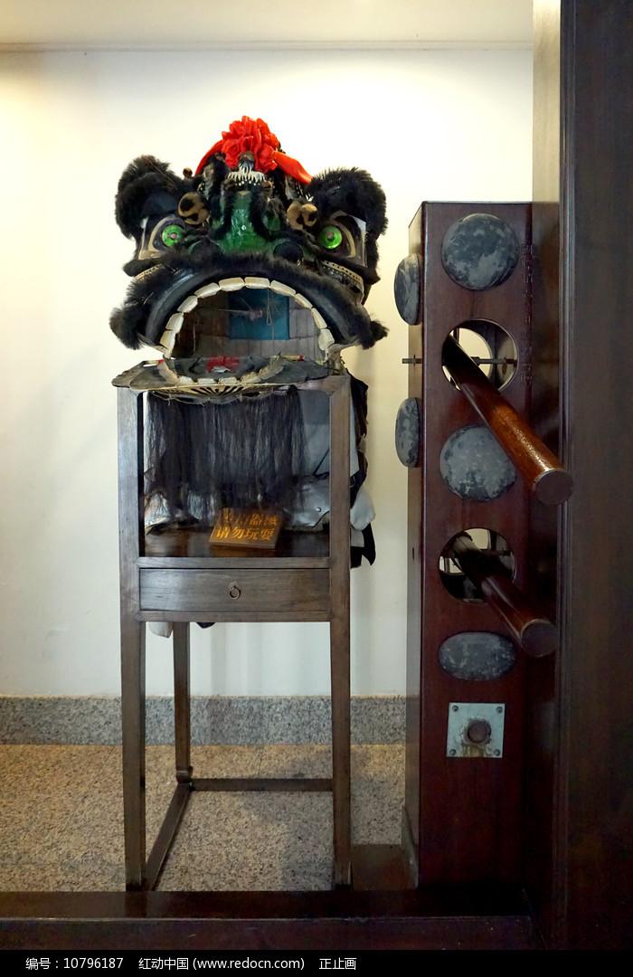 黄飞鸿纪念馆舞狮和咏春木人桩图片