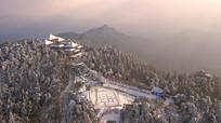 鸟瞰鸡公山景观雪景