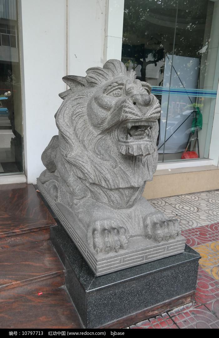 大理石狮子石雕图片