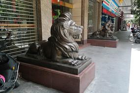 铜狮子雕像