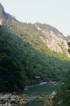 大七孔峡谷水春河的游船码头