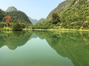 贵州荔波小七孔上己定湖风光