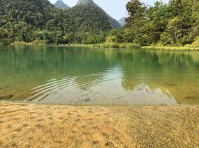 贵州南荔波小七孔上己定湖水坝